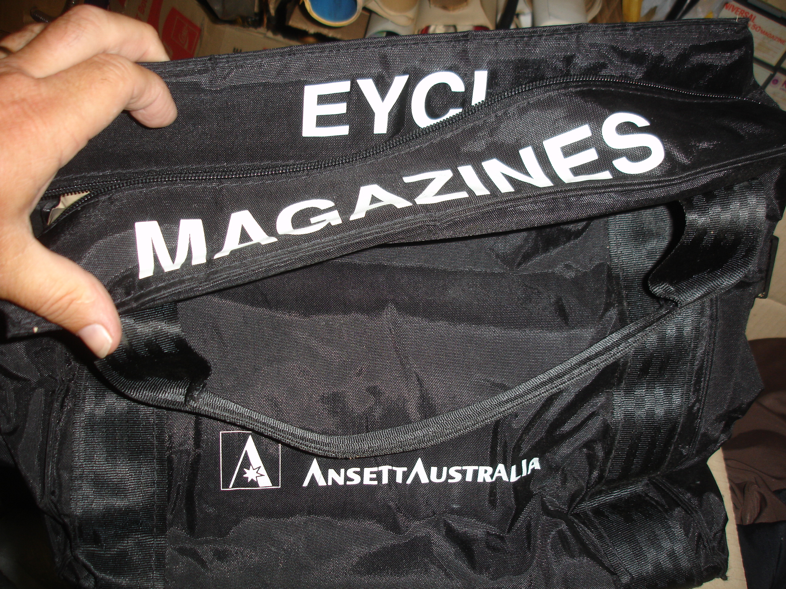 EYCL MAGAZINES BAG (Padded)